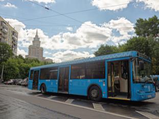 Обязательное оснащение автобусов тахографами перенесли на год